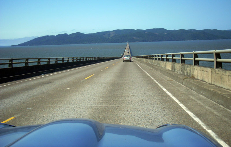 Crossing the Columbia River into Washington.