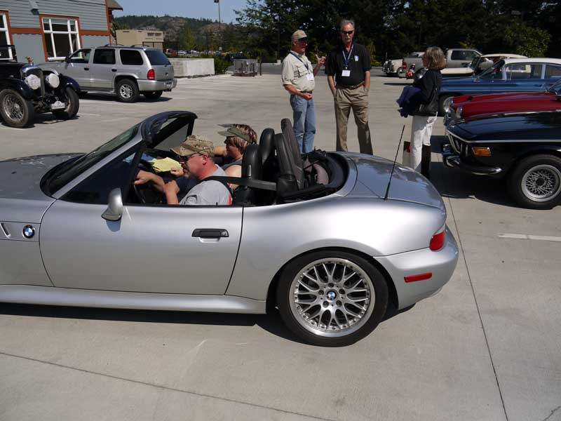 Dana & Michelle Swanson arrive at the finish in their BMW Z3.