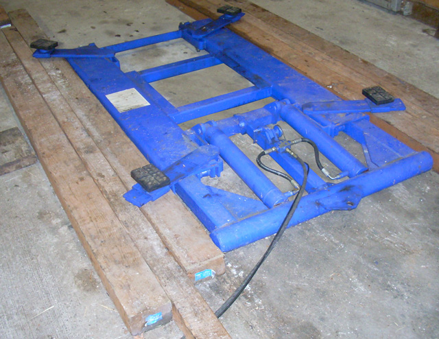 Product review harbor freight hydraulic scissor lift Car lift plans