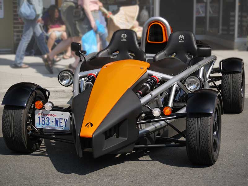 The owner of this Ariel Atom lives near me, as we see each other on SR530 often. We spoke once in the parking lot of the local NAPA store and talked about trading drives someday. I really need to catch up with him at some point!